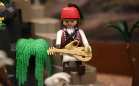 Εγκαινιάστηκε η έκθεση «Η Ελληνική Επανάσταση με φιγούρες Playmobil»