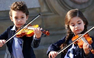 Τα παιδιά χρειάζονται την τέχνη και τη μουσική όσο την αγάπη, τον φρέσκο αέρα και το παιχνίδι