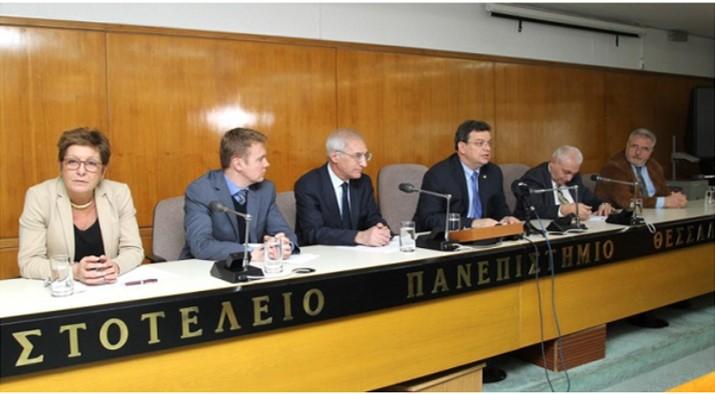 Το 'ΠΕ και το ΕΚΑΝΕ ο Πούτιν: «Τα ελληνικά θα ΔΙΔΑΣΚΟΝΤΑΙ από 1/1 στα σχολεία  της Ρωσίας»