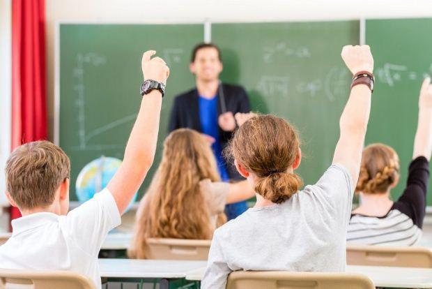 Συμπληρωματική πρόσκληση υποβολής αιτήσεων εκπαιδευτικών ΠΕ και ΔΕ για απόσπαση στο εξωτερικό