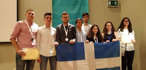 Εκατό μαθητές από τη Β. Ελλάδα βραβεύτηκαν για τις επιδόσεις τους στη Φυσική