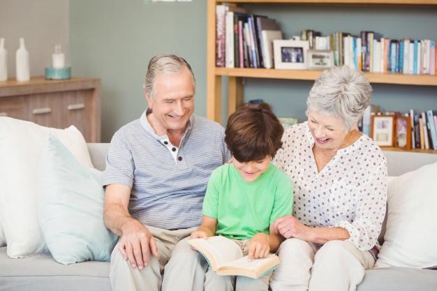 Γεφυρώνοντας την απόσταση με την γιαγιά και τον παππού