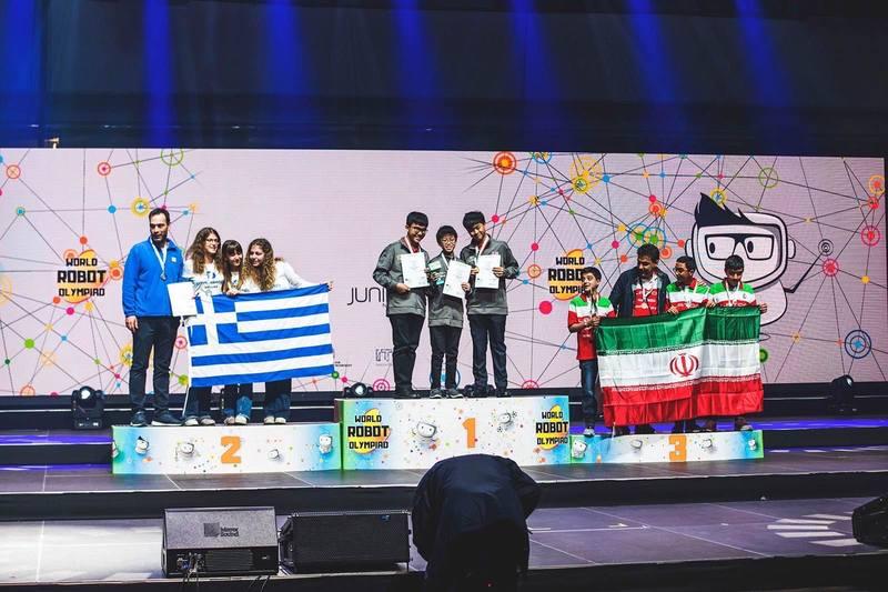 Τρεις Ελληνίδες μαθήτριες κατέκτησαν τη 2η θέση παγκοσμίως στην ολυμπιάδα ρομποτικής