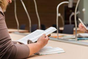 Διαγωνισμός εκπαιδευτικών για μεταπτυχιακές σπουδές με υποτροφία στο εξωτερικό