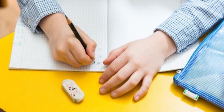 Δυσγραφία: Πάσχει το 15% των μαθητών -Τα σημάδια, πώς αντιμετωπίζεται