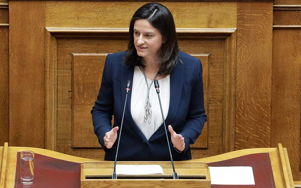 Βουλή: Δεκτό το νομοσχέδιο για τα ΑΕΙ – Διαβεβαιώσεις Κεραμέως για τροποποιήσεις