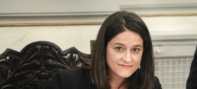 Υπουργός: Εσωτερικοί κανονισμοί σε όλα τα σχολεία