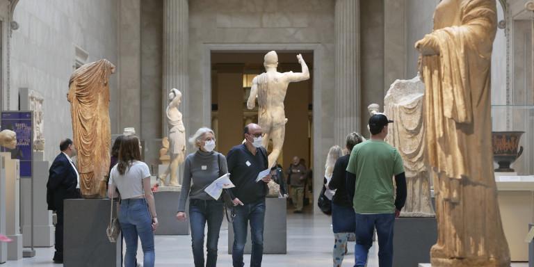 Koρωνοϊός: Οι ευφυείς και πρωτόγνωροι τρόποι λειτουργίας θεάτρων και μουσείων ανά τον κόσμο