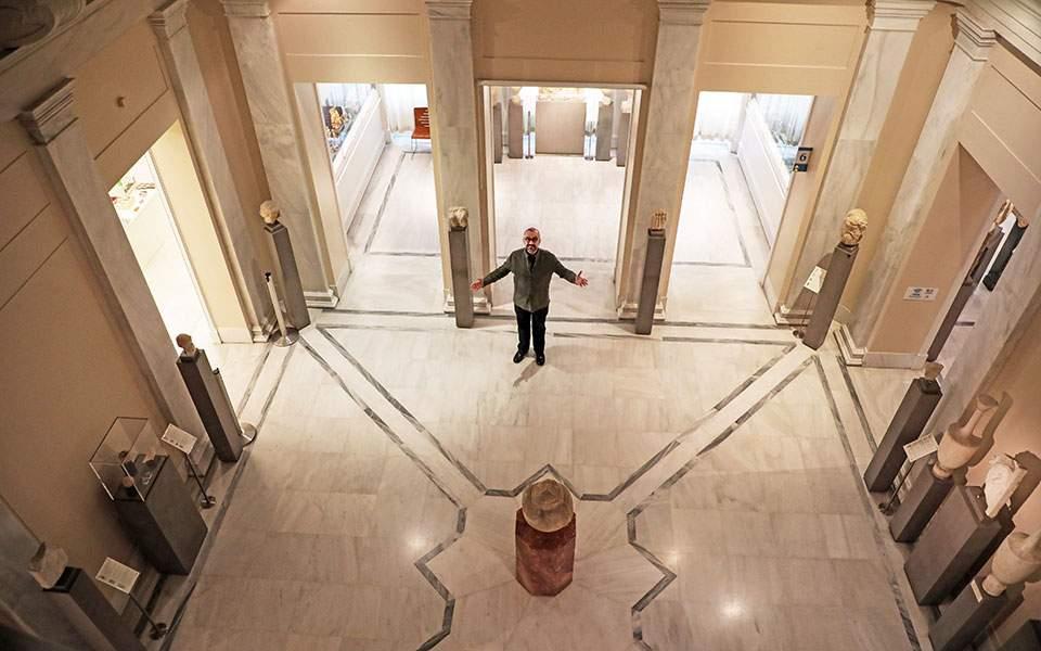 Μόνοι στο… μουσείο