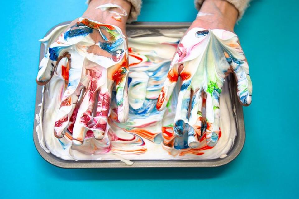 5 δημιουργικές ασχολίες που μπορείς να κάνεις στο σπίτι με τα παιδιά σου