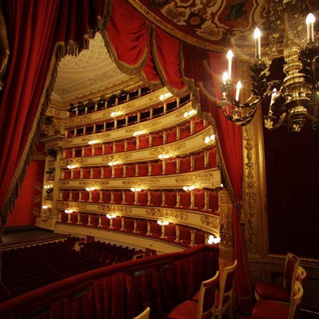 Κάντε μία ψηφιακή βόλτα στη Σκάλα του Μιλάνου, ένα από τα διασημότερα οπερατικά θέατρα