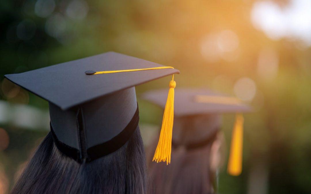 Ψηφίστηκε η τροπολογία για τις 2000 ανταποδοτικές υποτροφίες σε μεταπτυχιακούς φοιτητές και υποψήφιους διδάκτορες