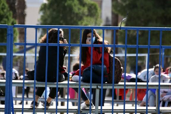 Παράταση σχολικού έτους μέχρι τέλη Ιουνίου – Κανονικά οι Πανελλαδικές